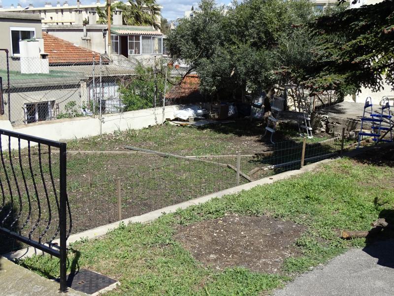 Coup de coeur pour cette maison à rénover sur sainte marguerite 13009