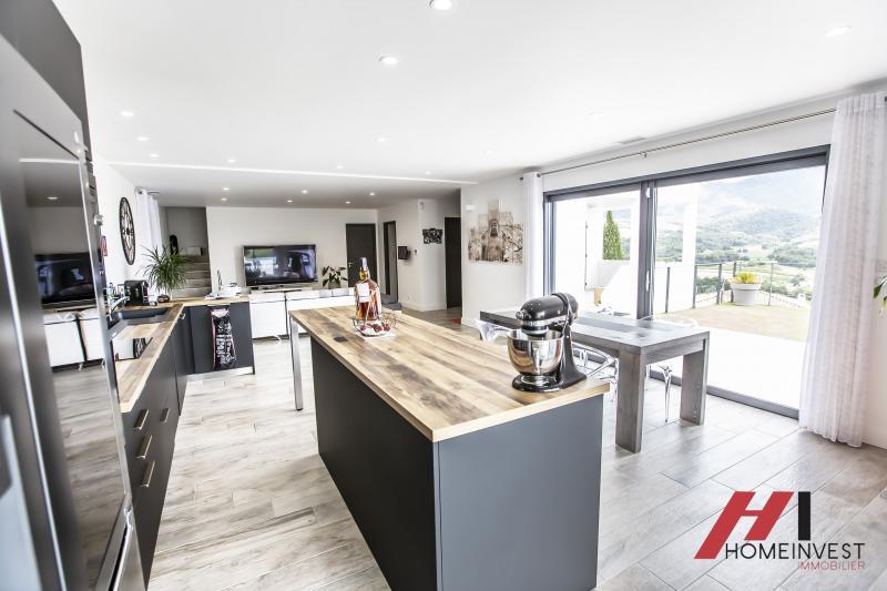 Immobilier de luxe : maison avec 5 pièces Auriol Moulin de Redon