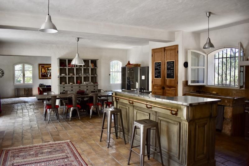 Simiane-Collongue : 7 HA de bonheur pour cette propriété à deux pas d'AIX ..